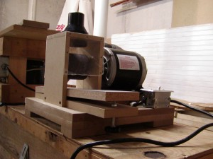 P1010032 300x225 How to make a simple thickness sander for bow laminations